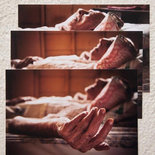 """""""José # 4"""" de la serie """"José"""" / Técnica: fotografía digital y collage / Dimensiones de la obra: 17 x 16 cm. / El fondo no hace parte de la obra."""