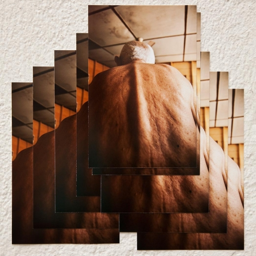 """""""José # 6"""" de la serie """"José"""" / Técnica: fotografía digital y collage / Dimensiones de la obra: 23 x 22 cm. / El fondo no hace parte de la obra."""